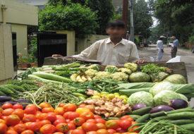 फ्री में नहीं दी सब्जी तो नाबालिग गया जेल।