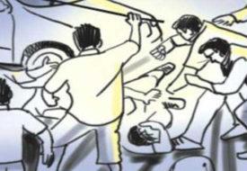 बिहार में भीड़ ने हत्यारे को छत से फेंका