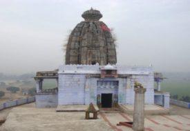 बिहार के औरंगाबाद जिले में स्थित डेढ़ लाख वर्ष पुराना उमगा सूर्य मंदिर।